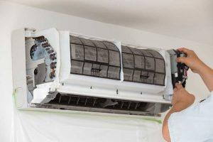 Comment effectuer l'entretien d'une climatisation réversible ?