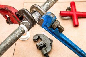 Quels sont les outils indispensables du plombier ?