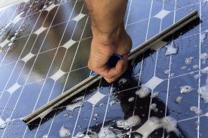 Comment bien entretenir les panneaux solaires photovoltaïques ?