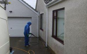 Réussir le nettoyage et entretien de la façade d'une maison