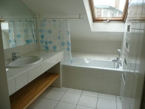 Réussir le nettoyage et l'entretien d'une salle de bain