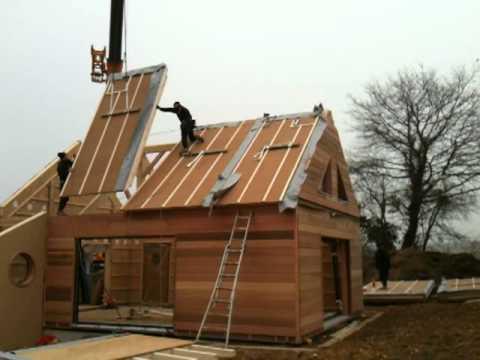La pose de toiture de maison en bois étape par étape